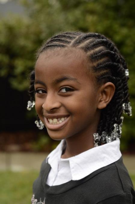 coiffure-cheveux-afro-enfant