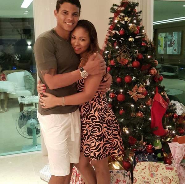 Thiago silva et sa femme isabele plus amoureux que jamais