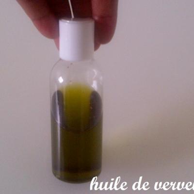entretien,cheveux,afro,huile,de,verveine